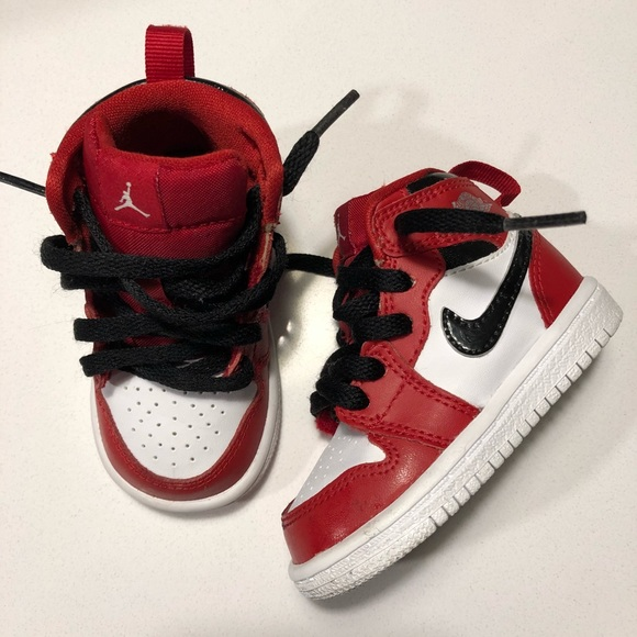 "917857d6bd7898 Jordan Other - Air Jordan 1 ""Chicago"" sz 4 (toddler)"